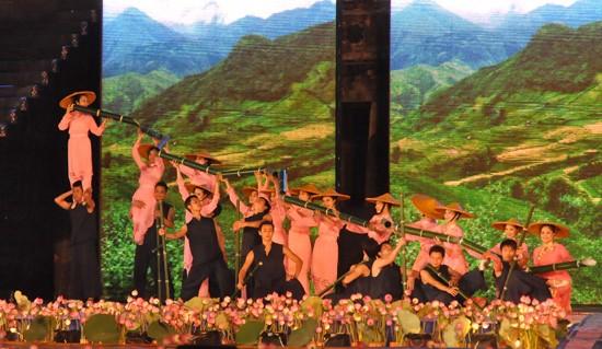 Ouverture du Festival de Hue 2012 : une soirée culturelle splendide  - ảnh 9