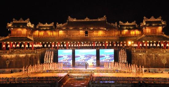 Ouverture du Festival de Hue 2012 : une soirée culturelle splendide  - ảnh 3