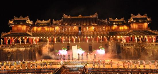 Ouverture du Festival de Hue 2012 : une soirée culturelle splendide  - ảnh 2