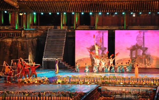 Ouverture du Festival de Hue 2012 : une soirée culturelle splendide  - ảnh 7