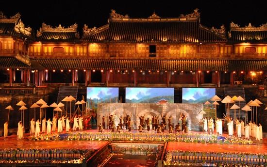 Ouverture du Festival de Hue 2012 : une soirée culturelle splendide  - ảnh 4
