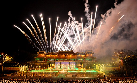 Ouverture du Festival de Hue 2012 : une soirée culturelle splendide  - ảnh 1