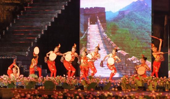 Ouverture du Festival de Hue 2012 : une soirée culturelle splendide  - ảnh 13