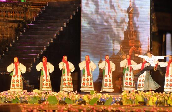 Ouverture du Festival de Hue 2012 : une soirée culturelle splendide  - ảnh 12