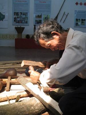 Ama H'Loan, celui qui contribue à la préservation des instruments du Tay Nguyen - ảnh 1