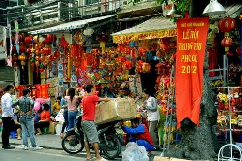 La fête de la mi-automne dans l'ancien quartier de Hanoï - ảnh 1
