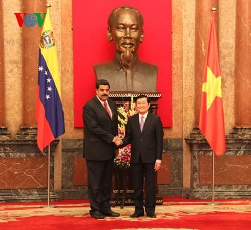 Le président vénézuélien termine sa visite au Vietnam - ảnh 2