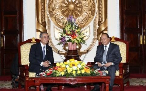 Le gouverneur de Nagasaki en visite au Vietnam  - ảnh 1