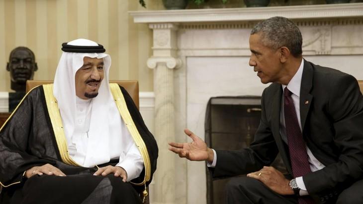 Barack Obama et le roi d'Arabie affichent leur entente en dépit des tensions - ảnh 1