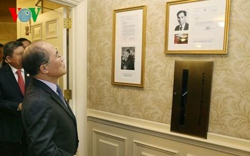 Nguyen Sinh Hung visite un endroit où le président Ho Chi Minh a vécu aux Etats-Unis - ảnh 1