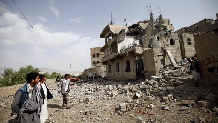 Yémen : représailles émiraties après l'attaque d'une base militaire par les rebelles - ảnh 1