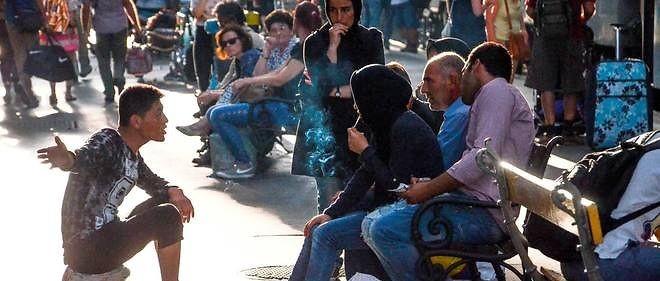 L'Autriche s'attend à accueillir 10 000 migrants venant de Hongrie - ảnh 1