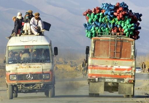 Afghanistan: des hommes armés tuent 13 passagers de deux véhicules - ảnh 1