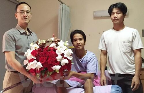 Le Vietnamien blessé lors de l'attentat à Bangkok est rapatrié - ảnh 1
