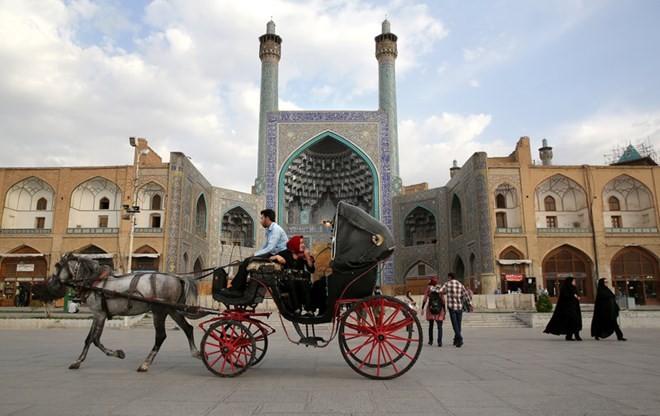 La ville d'Ispahan veut promouvoir la coopération touristique avec le Vietnam - ảnh 1