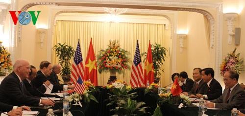 Nguyen Sinh Hung rencontre Patrick Leahy et John Kerry - ảnh 1