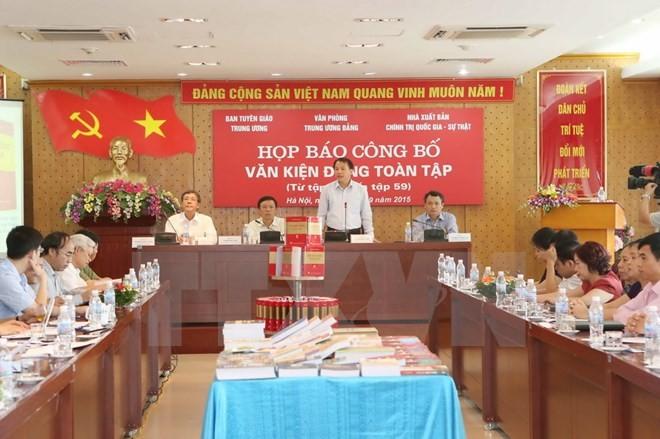 Publication des tomes 55 au 59 des documents complets du Parti communiste vietnamien - ảnh 1