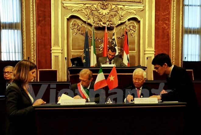 Ho Chi Minh-ville cherche à capter davantage d'investissements de Turin - ảnh 1