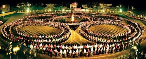 La danse Xoè Thái-Mường Lò-Nghĩa Lộ promue patrimoine national - ảnh 2