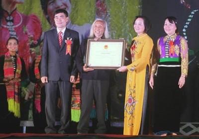 La danse Xoè Thái-Mường Lò-Nghĩa Lộ promue patrimoine national - ảnh 1