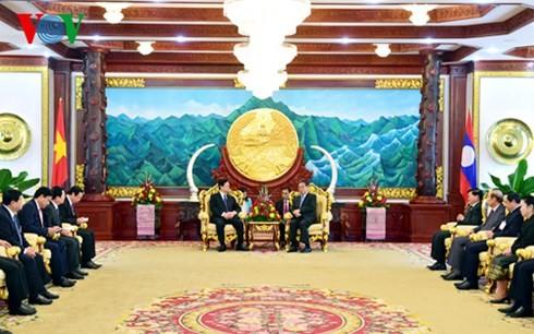 Consolider et développer sans cesse la solidarité spéciale Vietnam-Laos - ảnh 1