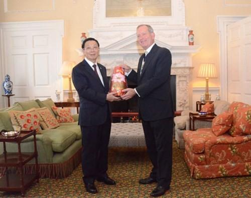 Hanoï et Londres intensifient leur coopération financière - ảnh 1