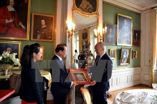 Entretien entre Vu Van Ninh et le vice-président suisse - ảnh 1