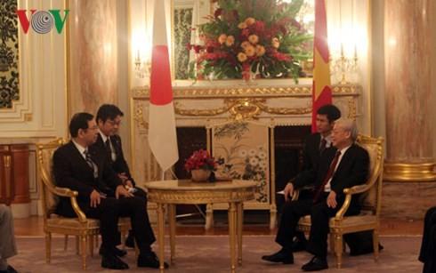 Le Vietnam et le Japon oeuvrent ensemble pour la paix et la prospérité en Asie - ảnh 2