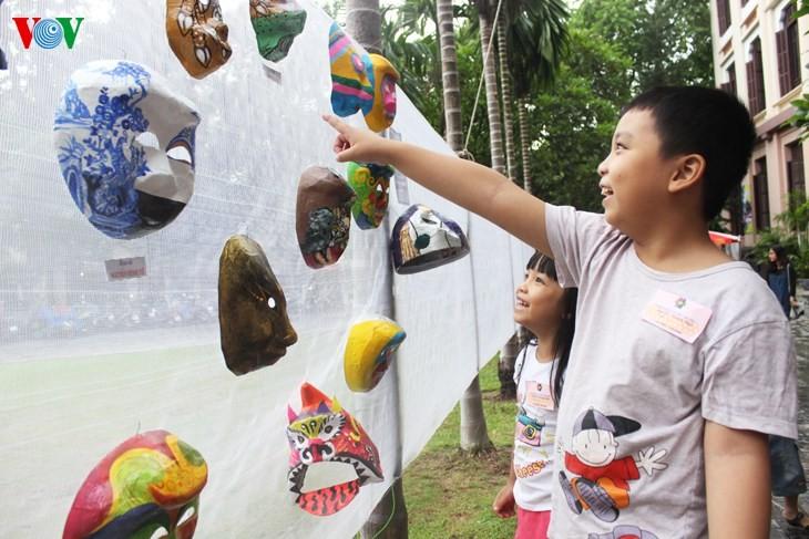 Les masques traditionnels en papier mâché   - ảnh 1