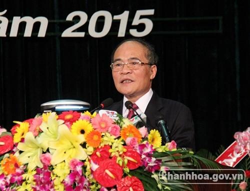 Nguyen Sinh Hung assiste au congrès du comité du parti de Khanh Hoà - ảnh 1