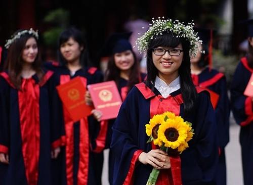Đào Hải Hà, lauréate du concours d'entrée à l'université des langues de Hanoï  - ảnh 2