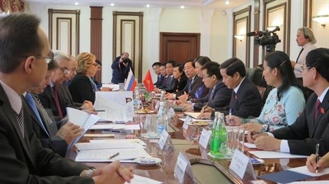 Tong Thi Phong en visite officielle en Russie - ảnh 1