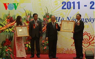 Nguyen Sinh Hung plaide pour une solidarité accrue entre les ethnies - ảnh 1