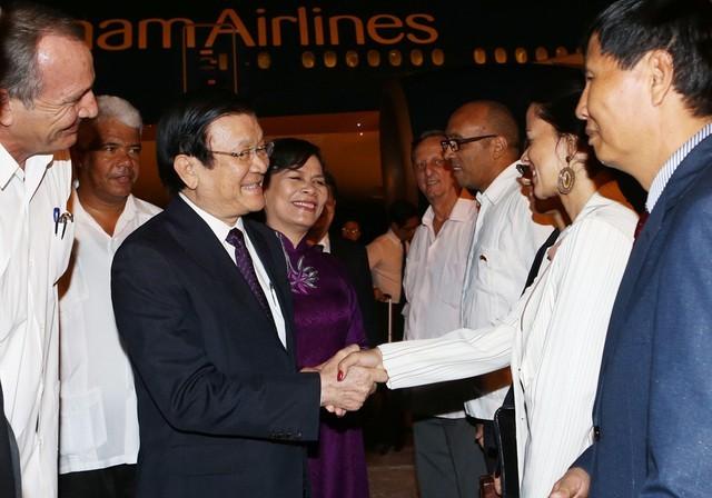 Le président Truong Tân Sang entame sa visite officielle à Cuba - ảnh 1