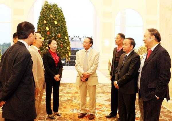 Rencontre avec les Vietnamiens de l'étranger à Vinh Phuc - ảnh 1