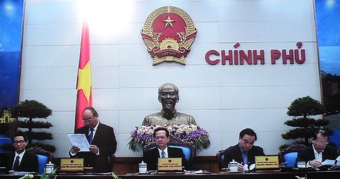 Nguyên Tân Dung: poursuivre 3 percées stratégiques économiques en 2016 - ảnh 1