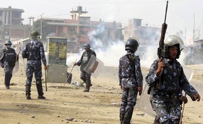 Népal : une centaine de blessés lors des heurts entre les Madhesis et la police - ảnh 1