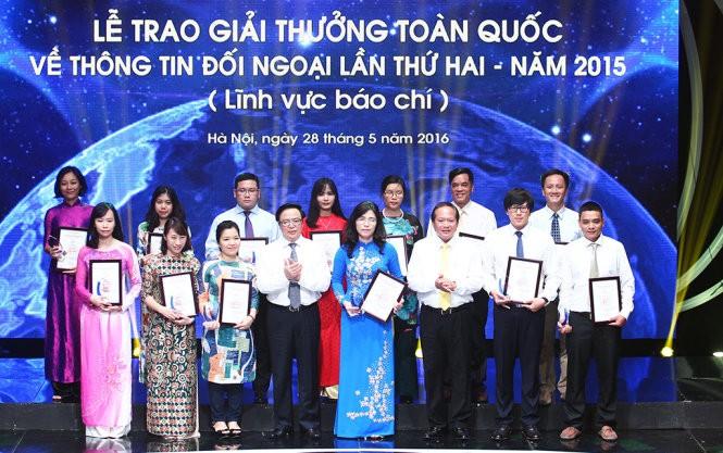 2e Prix national de l'information pour l'étranger: Remise des récompenses  - ảnh 2