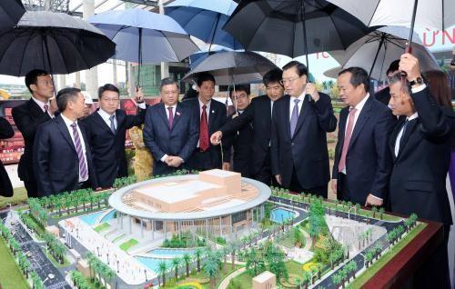 Zhang Dejiang au chantier du palais d'amitié Vietnam-Chine - ảnh 1
