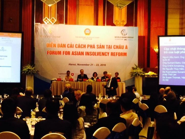 10ème forum sur la réforme de la faillite en Asie à Hanoi - ảnh 1