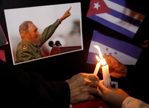 Nguyen Thi Kim Ngan assistera aux obsèques de Fidel Castro - ảnh 1