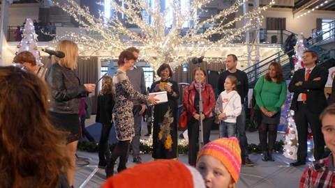 Le Vietnam participe à la foire internationale de Noël 2016 à Prague - ảnh 1