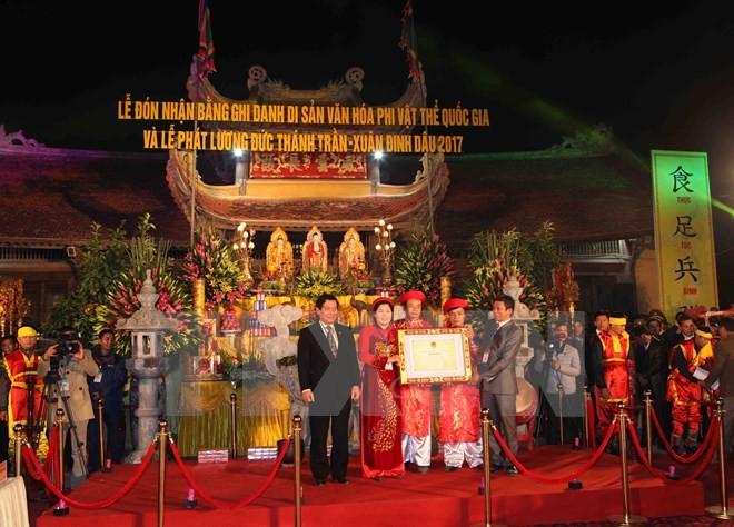 Des fêtes en hommage à la dynastie des Tran à Ha Nam et Nam Dinh - ảnh 1