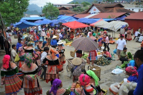 Le marché montagnard - ảnh 1