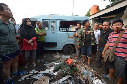 ការផ្ទុះចំនួនពីរបានកើតមានឡើងជាបន្តបន្ទាប់នៅទិក្រុង Jakarta - ảnh 1