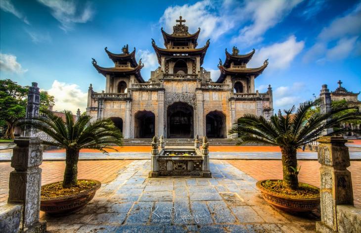 វិហារថ្ម Phat Diem នៅស្រុក Kim Son ខេត្ត Ninh Binh - ảnh 2