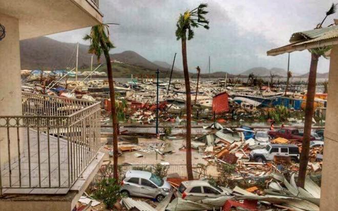 ខ្យល់ព្យុះ Irma បន្តធ្វើមហន្តរាយដ៏ធ្ងន់ធ្ងរទៅលើប្រជុំកោះរបស់អាមេរិក  - ảnh 1