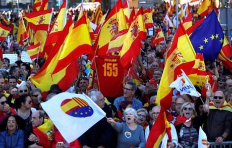 ការធ្វើបាតុកម្មប្រឆាំងជំទាស់ការចាកចេញពីអេស្ប៉ាញរបស់ Catalonia  - ảnh 1