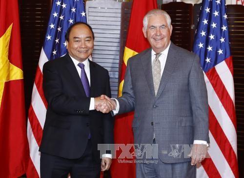 PM Vietnam, Nguyen Xuan Phuc menghadiri resepsi kenegaraan  - ảnh 1