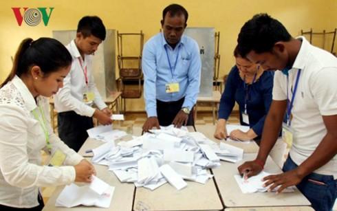 Kamboja mengakhiri pemilihan dewan kecamatan - ảnh 1